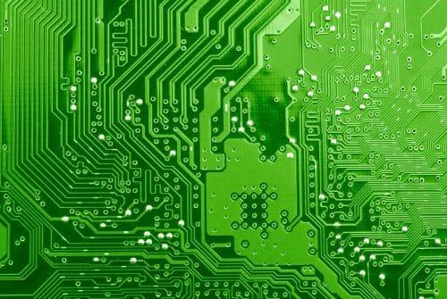 Fabrication de carte électronique : Pourquoi faire appel à un sous-traitant ?