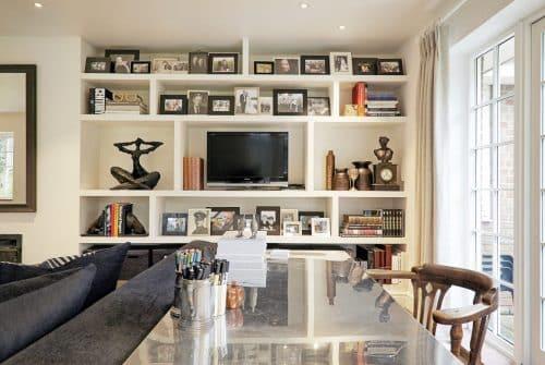 5 superbes façons d'intégrer une télévision dans son salon
